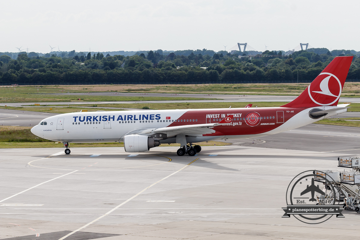 Airbus A330-200 TC-JIZ Turkish Airlines 'Invest in Turkey'