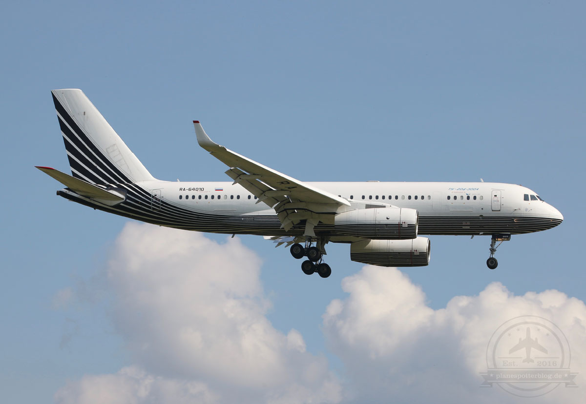 DUS Business Aero TU 204-300A